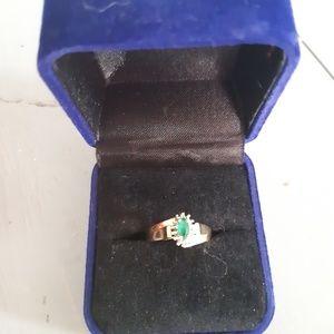 10k Yellow Gold  Natural Emerald Ring